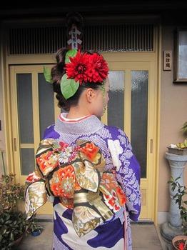 優子成人式後ろ01.jpg